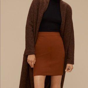 Aritzia Wilfred Free Brown Skirt • size 4